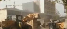 Битву бульдозеров в Китае сняли на видео