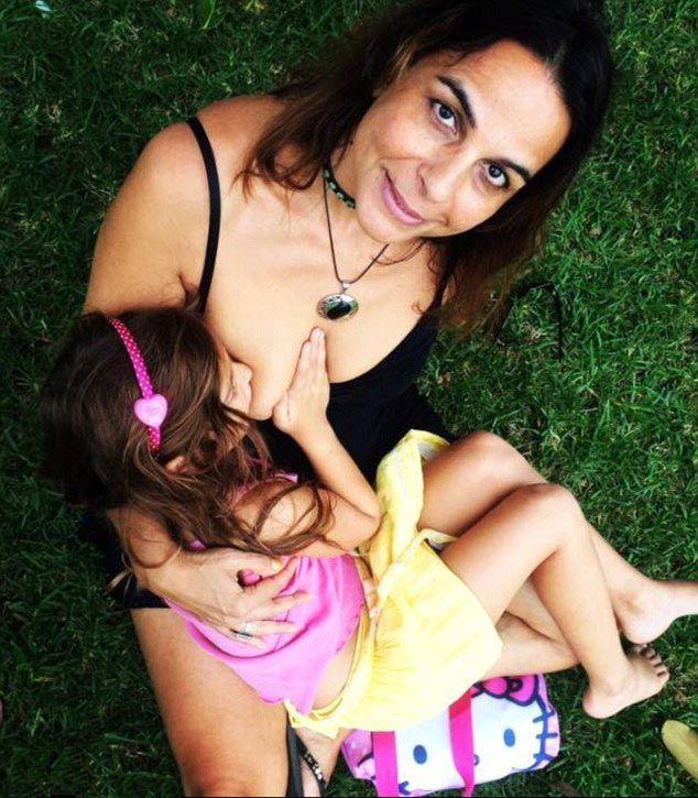 Сиськи кормящий девушки фото 31 фотография