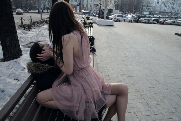 когда девушка познакомиться сама