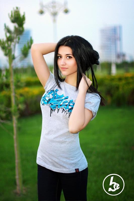 голыие фото туркменки