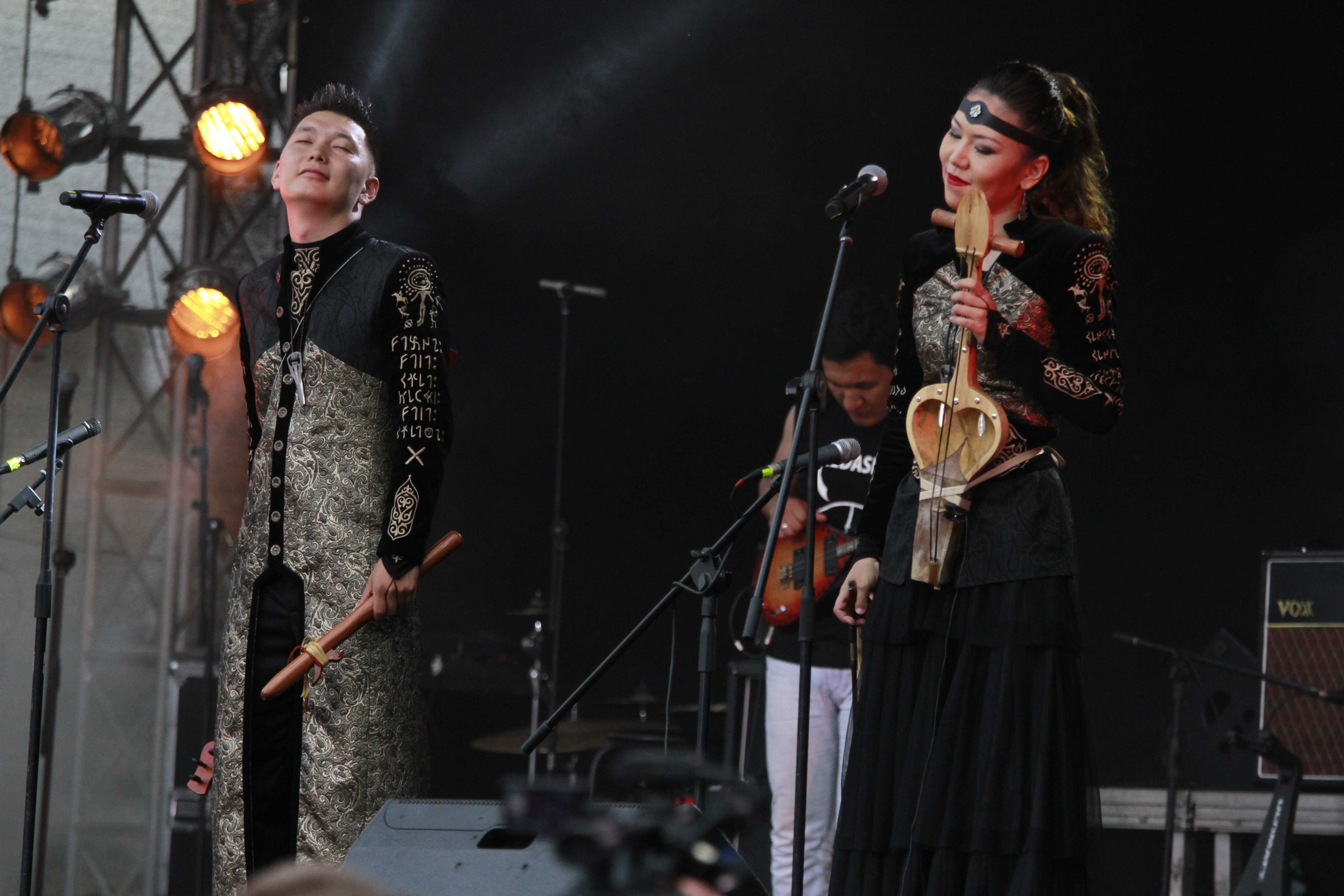 Kazakhstani ethnic band Arkaiym debutes at The Spirit of
