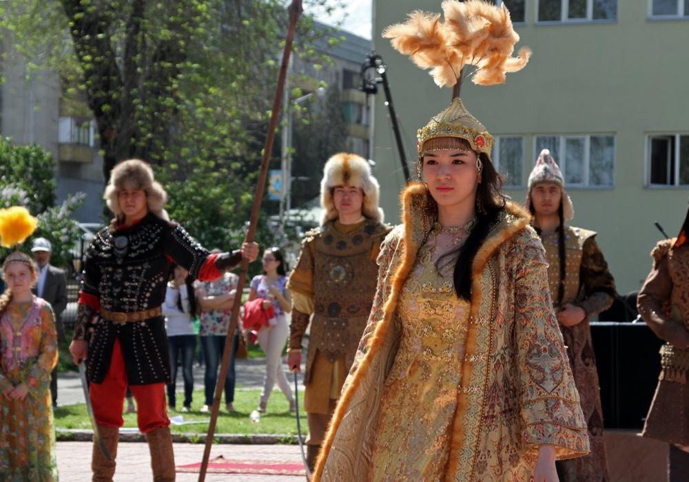 018629131dd Национальная одежда казахского народа