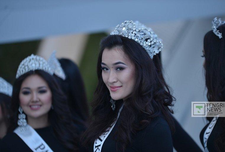 """Призовой фонд """"Мисс Казахстан-2015"""" составляет пять миллионов тенге."""