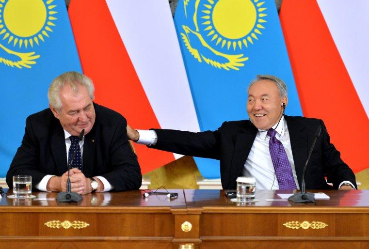С президентом Чешской Республики Милошом Земаном, прибывшим в Казахстан с официальным визитом. Астана, Акорда, 24 ноября 2014 года.