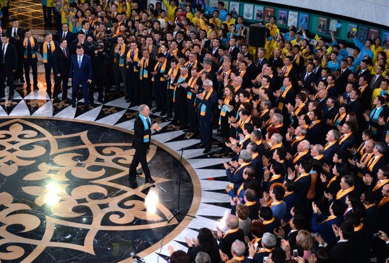 На церемонии оглашения итогов экзит-пуллов по результатам выборов Президента Республики Казахстан. Астана, Библиотека Первого Президента, 27 апреля 2015 года.