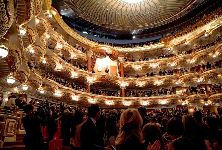 """На мировой премьере оперы Дж.Верди """"Аттила"""". Астана, Государственный театр оперы и балета """"Астана Опера"""", 22 октября 2013 года."""