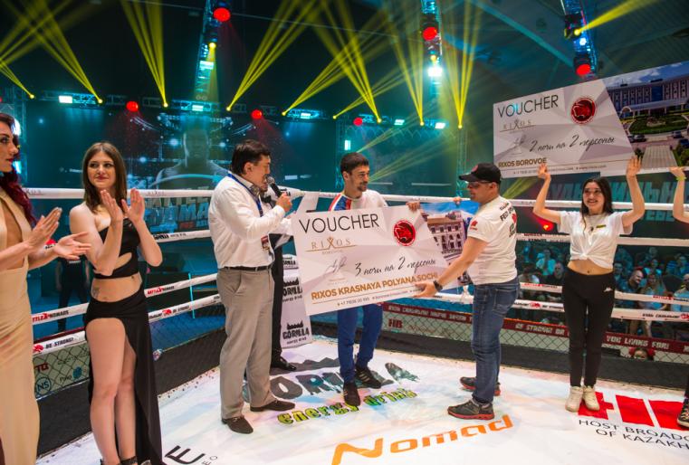 Победителей награждали специальными сертификатами на проживание в отелях Rixos в Казахстане и за рубежом.