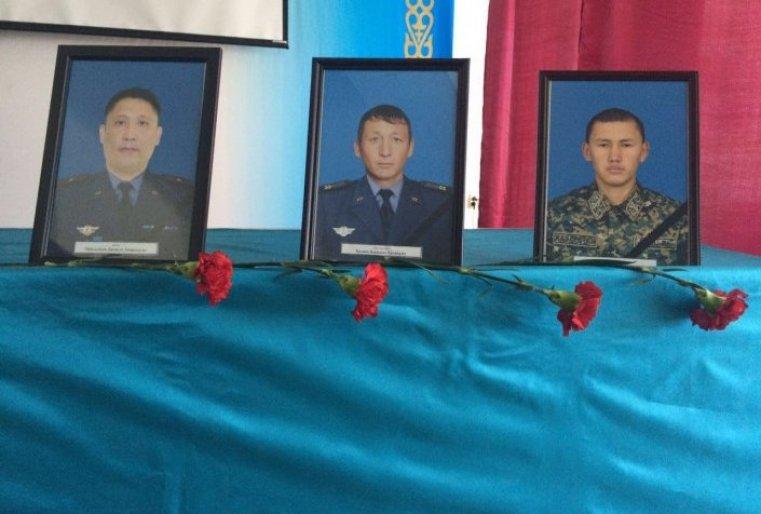 В свою очередь ее сестра Алуа Байкадамова вспомнила недавнее посещение военной части в Актобе, подвергшейся нападению террористов.