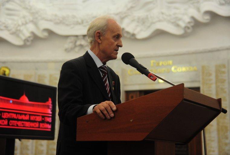 В свою очередь в своем выступлении герой России Сергей Нефедов, являющийсяпредседателем совета Мужества и отваги Общероссийской общественной организации
