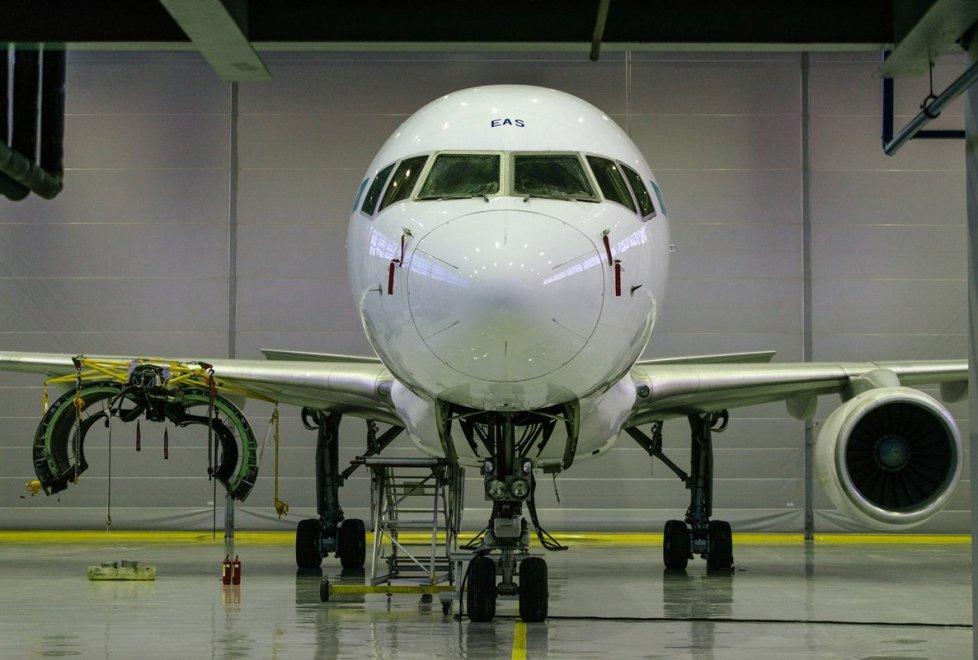 """<p>Тем временем на техобслуживание в Авиационно-технический центр прибыл борт компании """"Эйр Астана"""".</p>"""