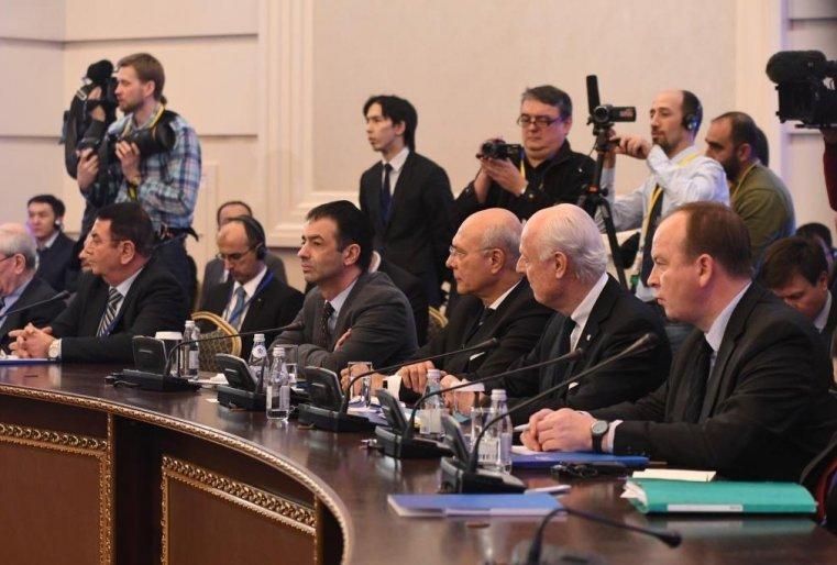 <p>Представителей вооруженной сирийской оппозиции все не было.</p>