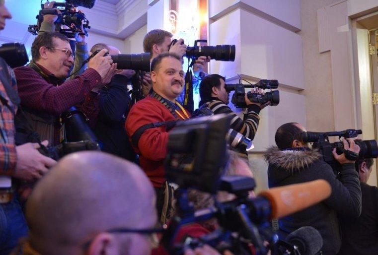 <p>По всей видимости, эти люди любят внимание прессы.</p>