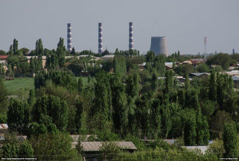 А также видны отсюда и другие объекты столицы Узбекистана.