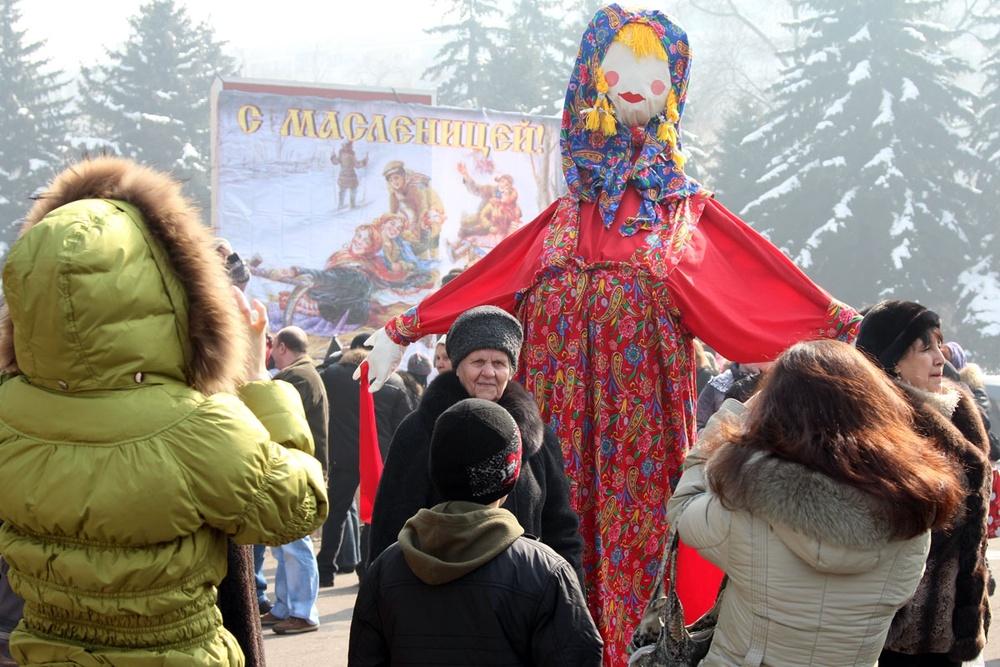 Проводы Масленицы в Алматы. 26 февраля 2012.