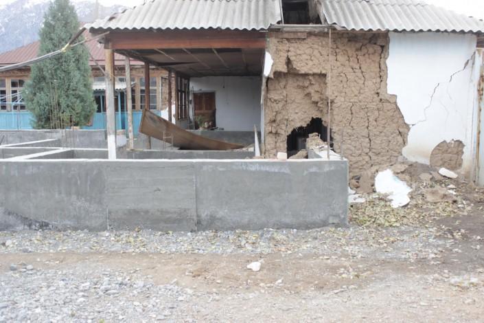 Последствия землетрясения в Кыргызстане: Повреждены 270 домов и соцобъектов