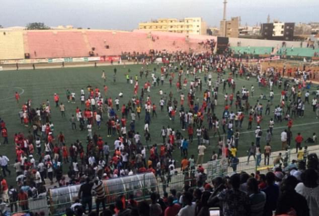 Футбольный матч завершился кошмаром: 8 погибли, 50 ранены