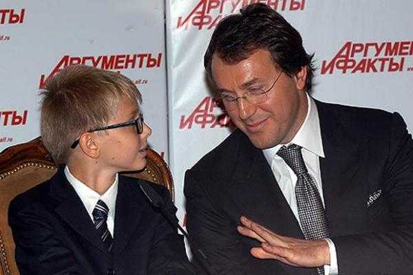 Внук Пугачевой от чеченского зятя дал первое интервью