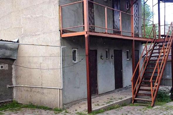 7 самых недорогих домов Алматы с действующим бизнесом