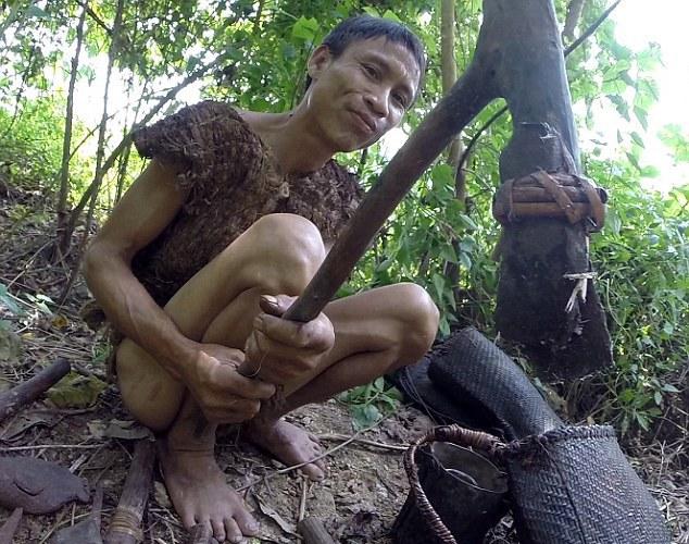Тарзаны поневоле: Отец и сын 40 лет прятались от войны в джунглях Вьетнама