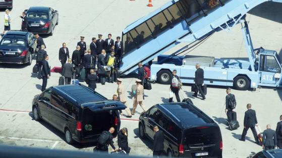 Тайский принц удивил своим внешним видом в аэропорту Мюнхена