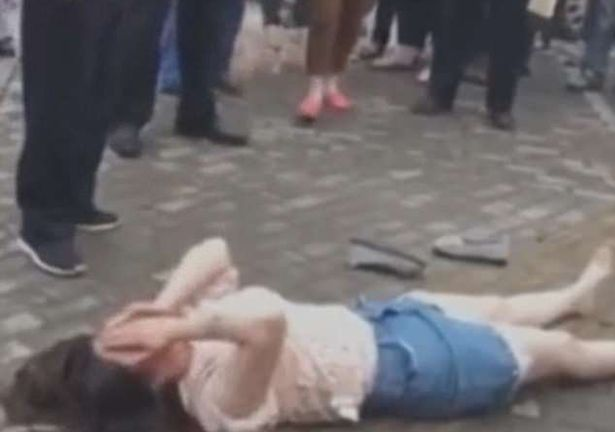 Китаянка жестоко отомстила возлюбленному во время прощального поцелуя