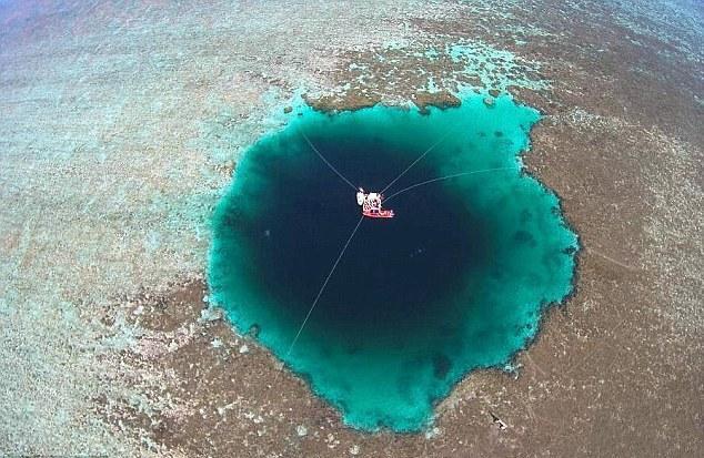 В гости к дракону: Найдена самая глубокая голубая дыра