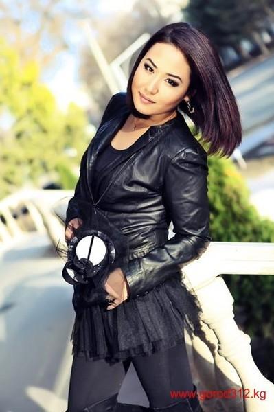 другу самые красивые киргизки фото способы