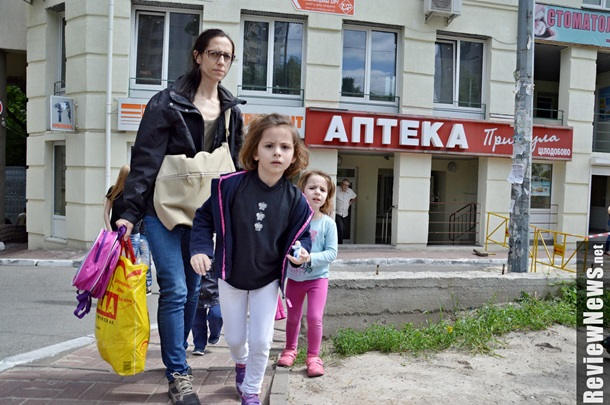 Семиэтажный фонтан кипятка разнес целую улицу в Киеве: Асфальт разорвало как бумагу