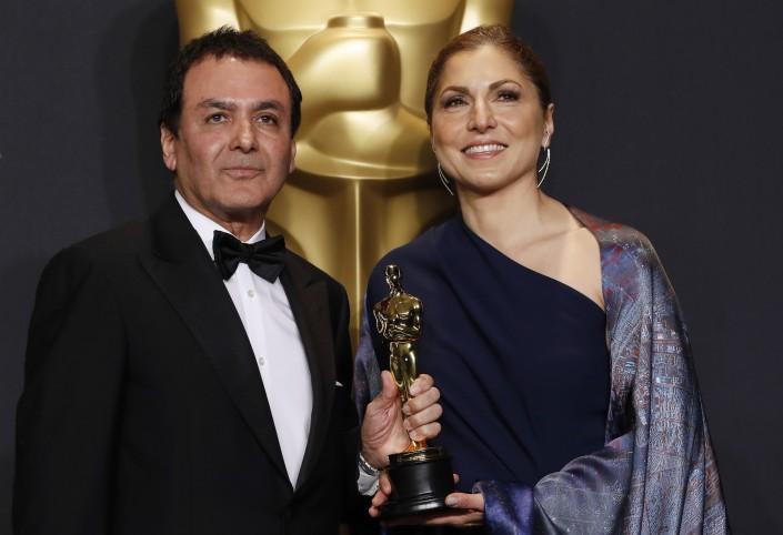 Иранское телевидение заретушировало тело исполнительницы  Шарлиз Терон нацеремонии вручения «Оскара»