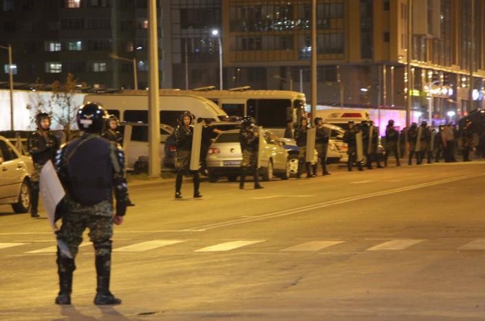 """ДВД Астаны прокомментировало инцидент с иностранными рабочими в """"Абу-Даби Плаза"""""""