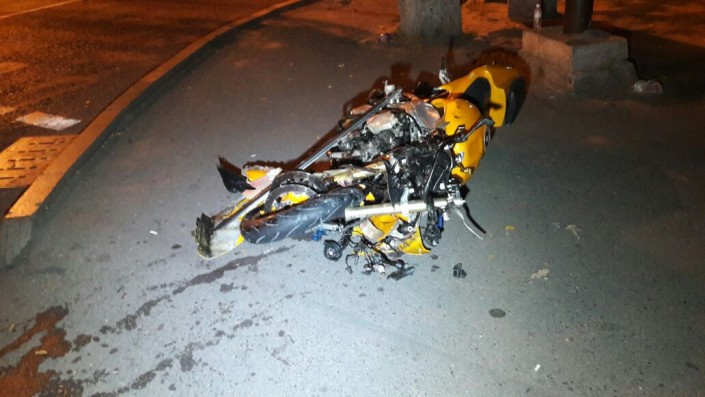 ВАлматы мотоциклист столкнулся с Лексус