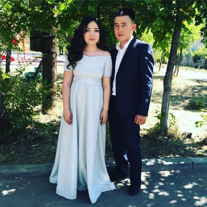 Молодожены из Семея вместо пышной свадьбы накрыли стол для сотни детдомовцев