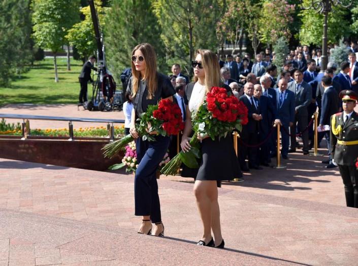 18-летняя дочь Гульнары Каримовой появилась на официальном мероприятии