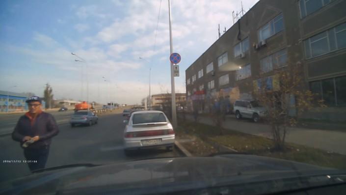 Как работают автоворы на улицах Алматы