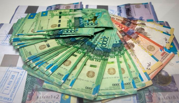 В казахстане в первый раз за 2 года вырос объем выдачи потребительских кредитов