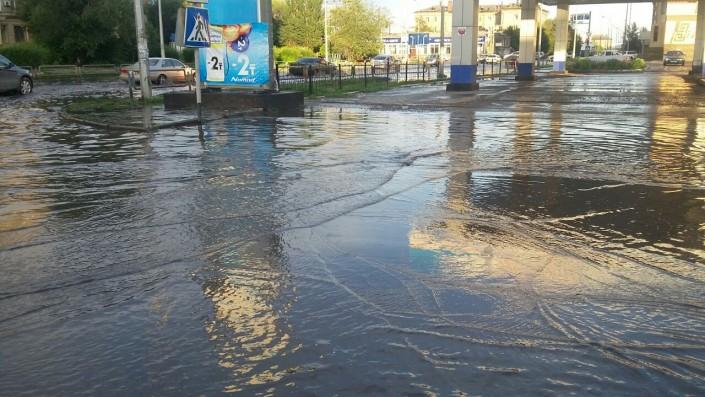 Ливень в Семее стал причиной крупной аварии на линиях электропередач