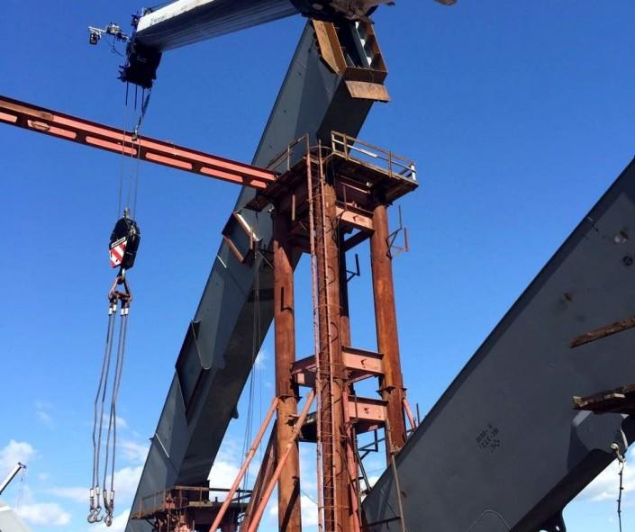 Успешно завершены подъем и стыковка центральной арки на мостовом переходе через Иртыш