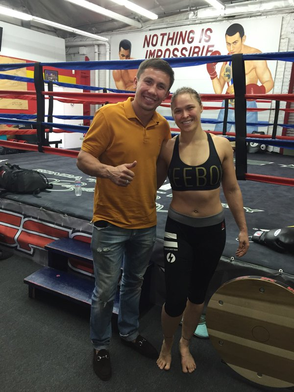 Казахстанский боксер Геннадий Головкин посетил тренировку чемпионки UFC Ронды Роузи