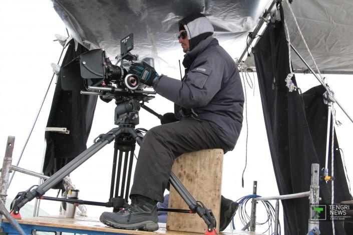 历史正剧《哈萨克汗国》进入外景拍摄阶段 发布先导预告片