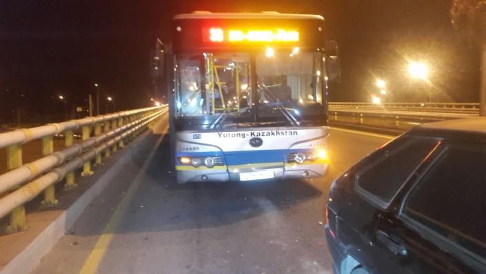 Автобус спассажирами устроил массовое ДТП вАлматы