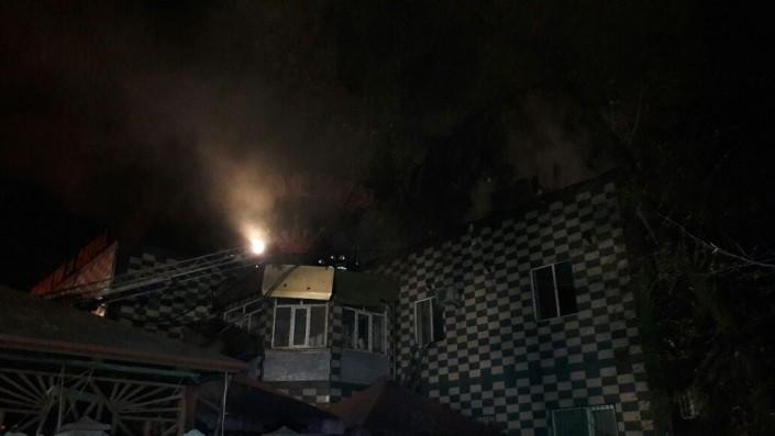 ВАлматы горело строение гостиницы