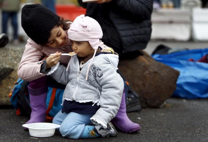 Миграционный кризис в Европе приобретает масштабы стихийного бедствия.