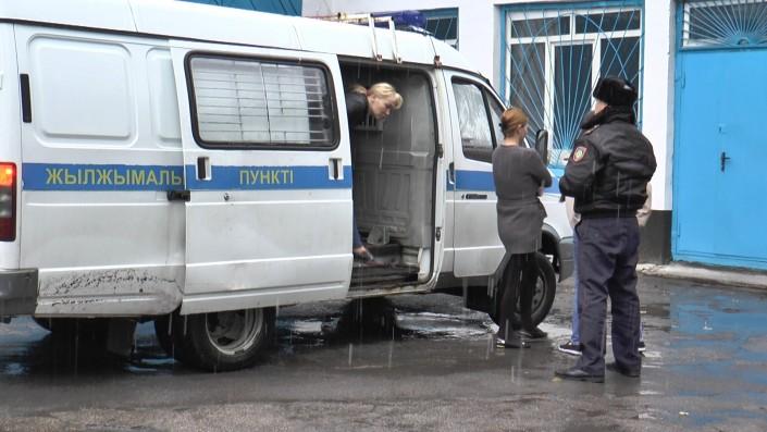"""Жительница Уфы (Российская Федерация) и трое ее """"коллег"""" из Узбекистана свои услуги рекламировали в Интернете."""