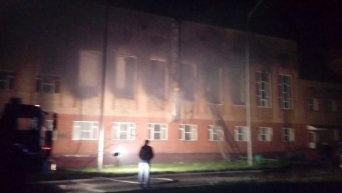В Астане ночью горела школа