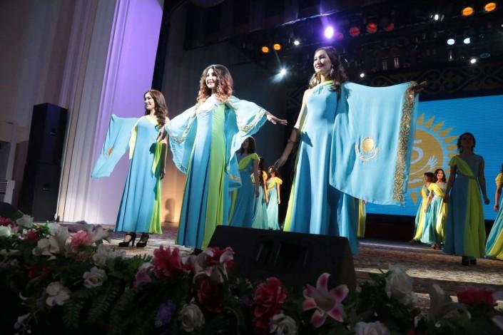 16-летняя Аруна Сагатбекова стала «Мисс Талдыкорган»