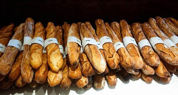 Французского пекаря оштрафовали натри тысячи евро затрудолюбие