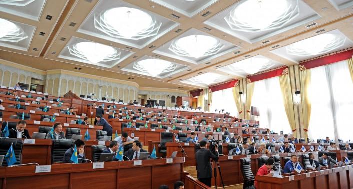 Алмазбек Атамбаев неприемлет операцию «преемник»