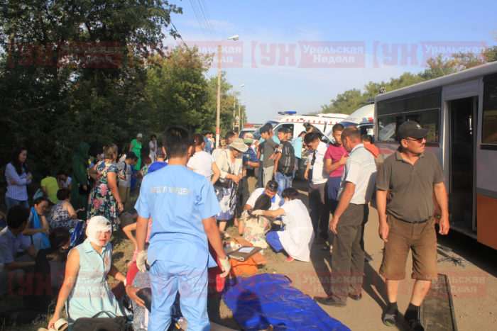 Около 60 человек пострадали в страшной аварии с 2 автобусами в Уральске
