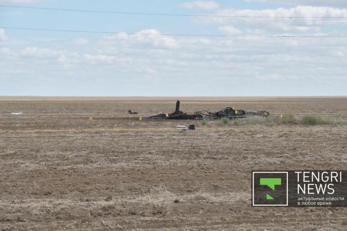Появились фото с места крушения самолета близ Нур-Султана