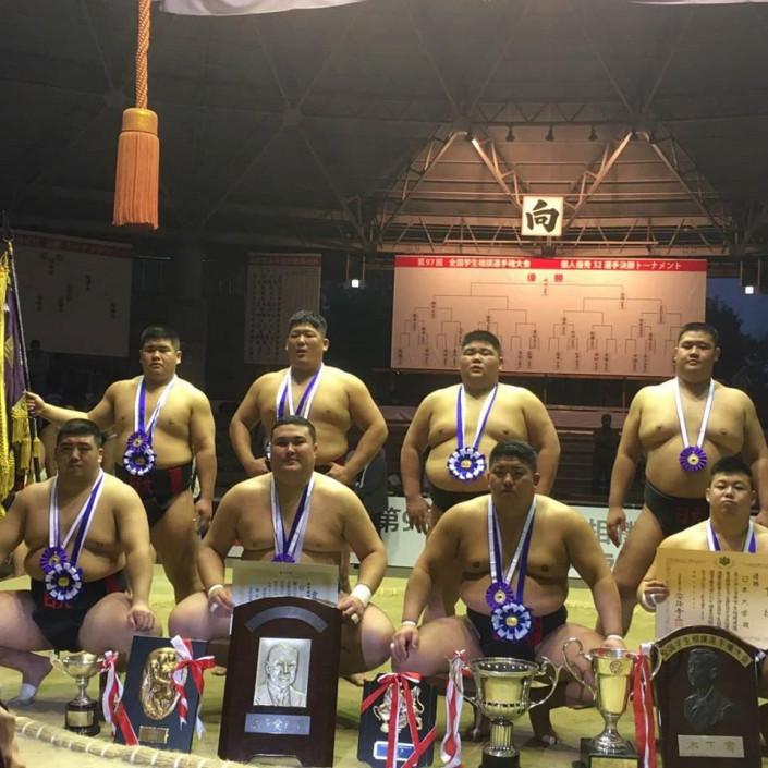 Казахстанский борец стал чемпионом Японии по сумо 1